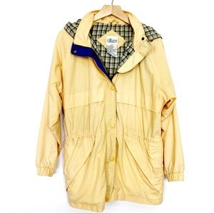 Vintage pale yellow plaid flannel lined light rain coat Northern Reflections 90s